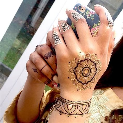 getting henna tattoo 75 henna tattoos that will get your creative juices flowing