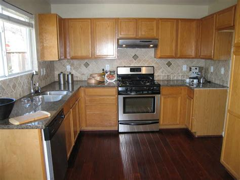 kitchen wood flooring ideas honey oak kitchen cabinets