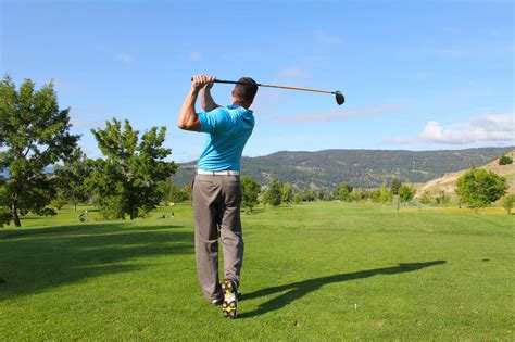 how to swing a golf club the definitive guide on how to swing a golf club with