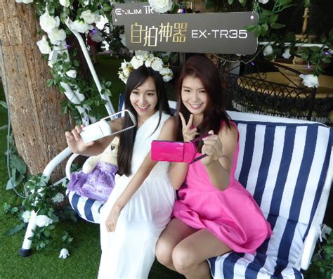 Casio Ex Tr35 Selfie Pink buy new casio exilim tr35 12x make up level 12mp selfie 270degrees touch lcd 3 quot wifi