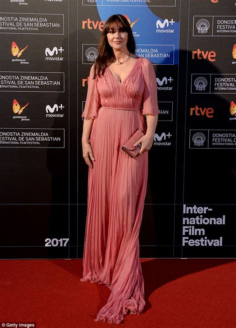 monica bellucci awards monica bellucci wins award at san sebasti 225 n film festival