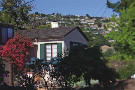 Cabins For Sale In California Redwoods by Homes For Sale In Oakland S Redwood Heights Oakland Ca