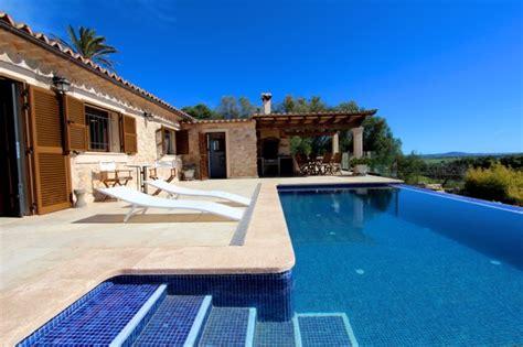 Indoor Pool Design mallorca komfortable finca mit qualitativ hochwertiger