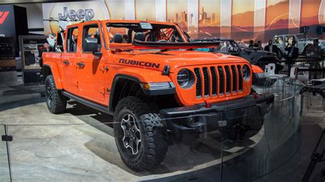 when does the 2020 jeep gladiator come out 2020 jeep gladiator looks and ready in la roadshow
