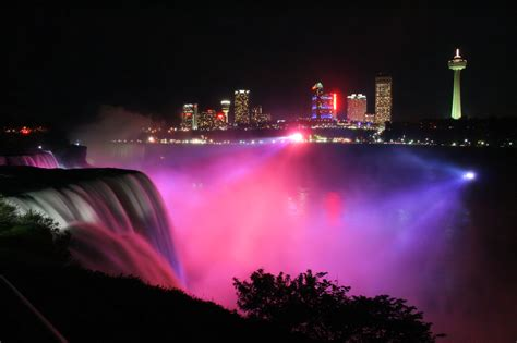 niagara falls night 30 colorful photos of the winter festival of lights in