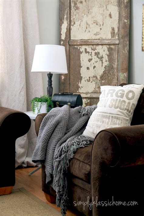 reading for living room small living room makeovers decorating your small space