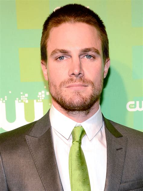 stephen amell actor tv guide