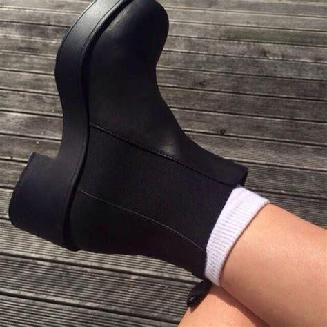 shoes black chuncky chelsea heel chunky sole chelsea