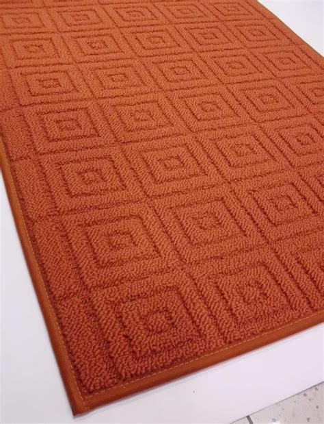 tappeti da cucina su misura tappeti cucina anche su misura tappeti per arredare la
