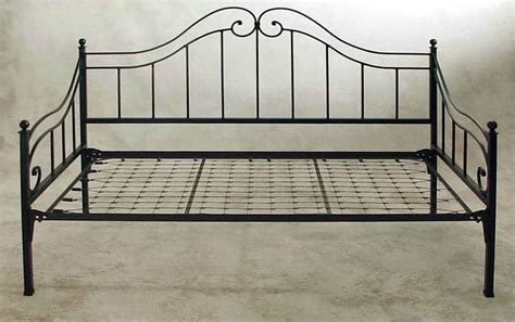 Wrought Iron Daybed Wrought Iron Day Beds By Grace