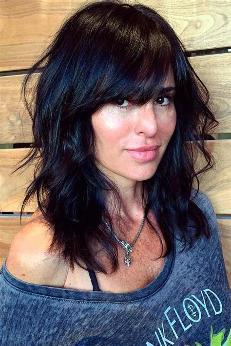 Easy Hairstyles For Medium Hair With Bangs by 30 Medium Hairstyles For Thick Hair To Complement Your
