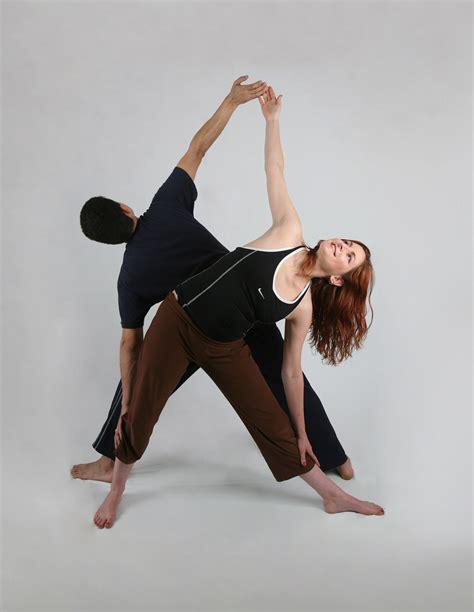 https://www.synergybyjasmine.com/romantic couples yoga/