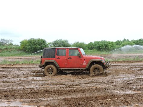 white jeep stuck in mud 100 white jeep stuck in mud jeep stuck in sand on
