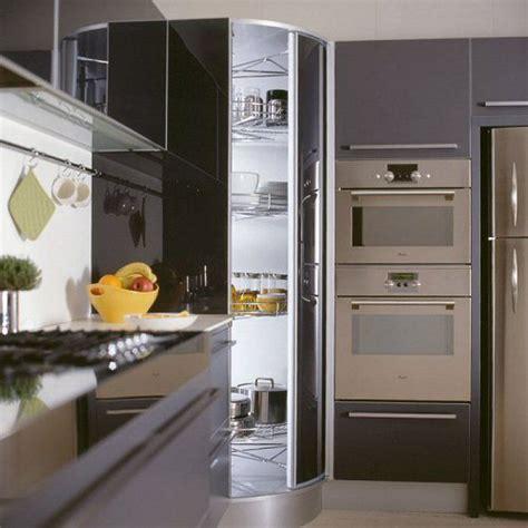 dispense cucine moderne oltre 25 fantastiche idee su dispensa ad angolo su
