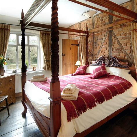 malinard manor master bedroom large self catering manor house shropshire the manor house