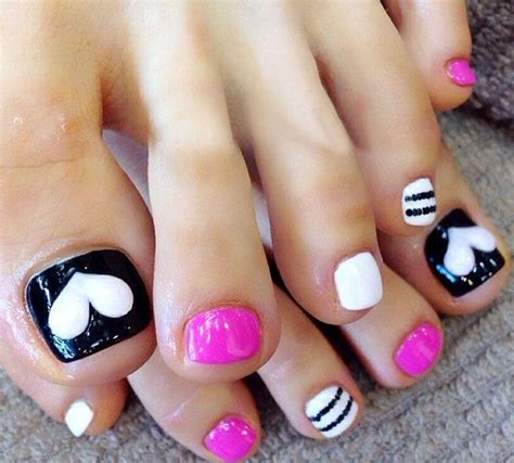 Simple Toenail by The 25 Best Simple Toenail Designs Ideas On