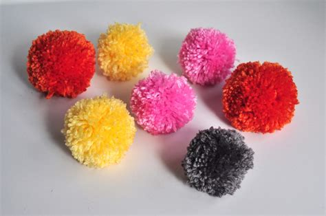 pattern for yarn pom pom aesthetic nest craft yarn pom pom bouquets tutorial