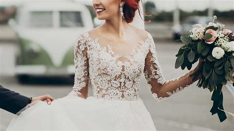 Bridesmaid Dress Material Options - 6 things every forgets when choosing a lace wedding
