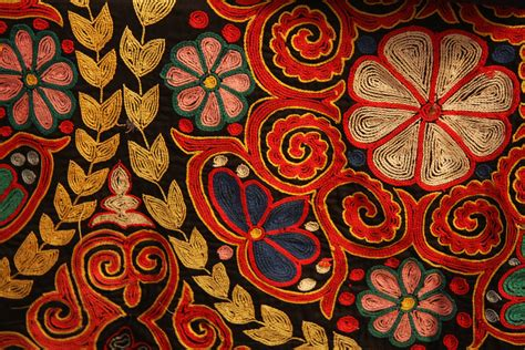 embroidery and on fabric file kazakh rug chain stitch embroidery jpg wikimedia