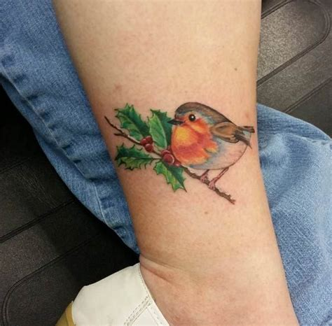 small robin tattoo robin pictures to pin on tattooskid