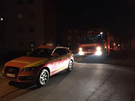 Decke Feuerwehr by 021 2017 Wasserschaden Tropft Aus Der Decke Freiwillige