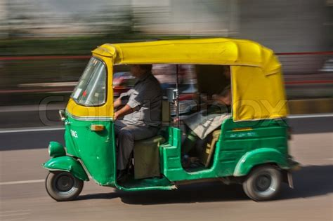 Indisches Auto by Indian Auto Autorickshaw Taxi In The Motion Blur