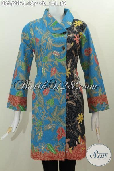 baju batik biru kombinasi hitam motif bunga proses