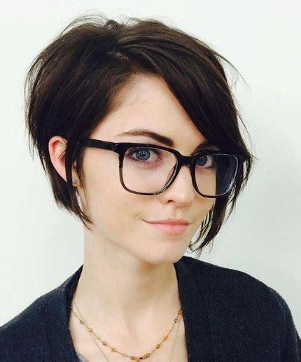 foto rambut pendek gelombang model rambut pendek wanita gemuk 2017 bacaterusnet