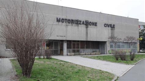 motorizzazione civile pavia incidente all esame per la patente l auricolare