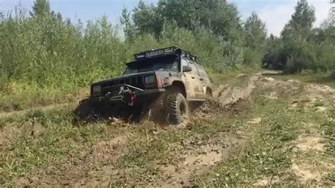 way of jeep way of driving a jeep 4x4 in a mud