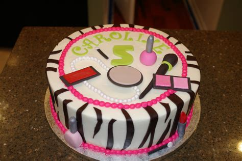 How Can You Keep Fondant Decorations by Salon Or Make Up Decorations Edible Fondant Nail