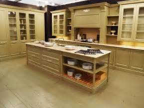 for painting pictures cabis hgtv kitchen cabinets color ideas fresh paint chelsey bowen related kitchens
