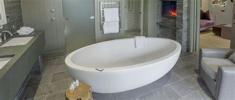 hotel rooms with big bathtubs luxury freestanding baths natural stone baths
