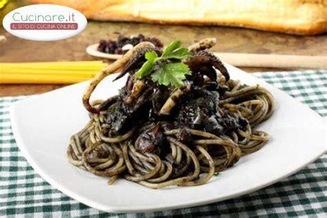 come cucinare la seppia spaghetti al nero di seppia ricetta cucinare it