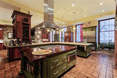 Redone Kitchen Cabinets by Upper East Side Mansion 114 077 000 Pricey Pads