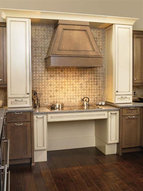 kitchen bath  closet cabinetry  wellborn cabinet