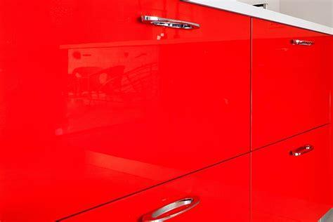 cucina rossa laccata cucina in legno moderna su misura laccata lucida rossa