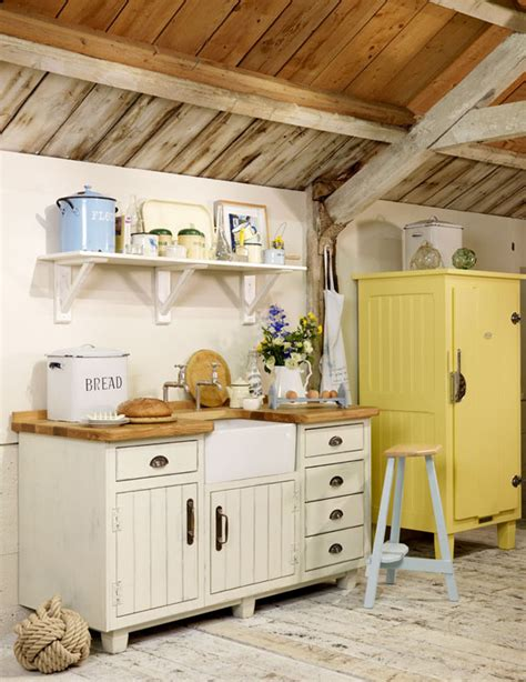 laras para techos inclinados estilo rustico cocinas en casas de co