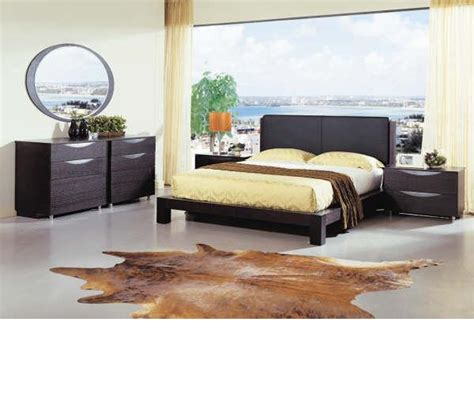 contemporary platform bedroom sets dreamfurniture com linda contemporary platform bedroom set
