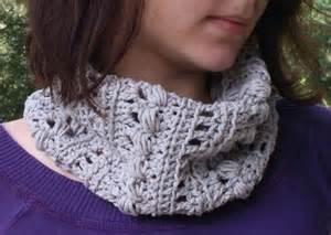 Infinity Cowl Crochet Pattern Free Crochet Infinity Scarf Triangle Cowl 101 Crochet