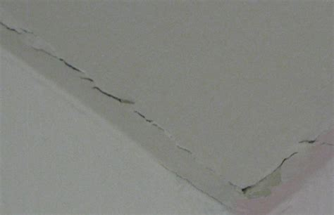 drywall crack how to fix it just like a professional