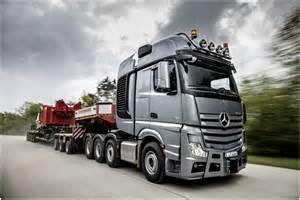 Mercedes Semi Trucks Image Gallery Mercedes Semi Trucks