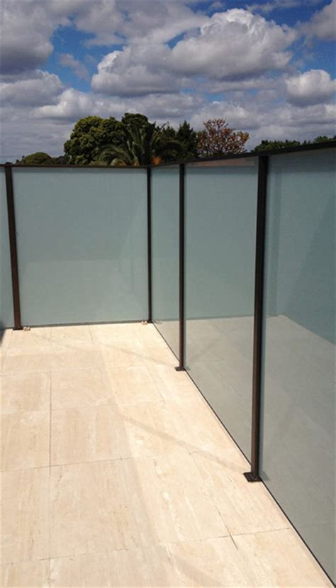 privacy screens balcony screens frameless impressions