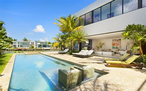 design house associates miami luis bosch designs and builds a new modern miami beach