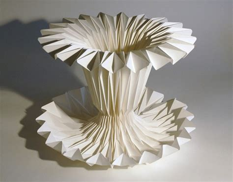 Paper Sculptures - http dzinetrip sculptural works made with paper by