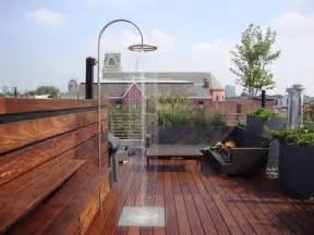 rooftop patio flooring idyllische dachterrasse gestalten ideen f 252 r ein