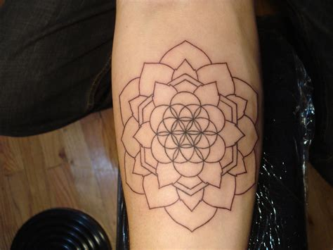 sacred tattoo sacred geometry pattern www imgkid the