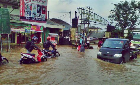 Mitigasi Kesiapsiagaan Bencana Banjir Dan Kebakaran yuk kenali beda antara genangan air dan banjir