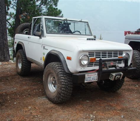 2015 Ford Broncos by Classicbroncos 2015 Early Bronco Calendar 66 77