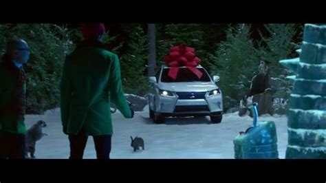 lexus commercial actress remember lexus december to remember sales event tv commercial